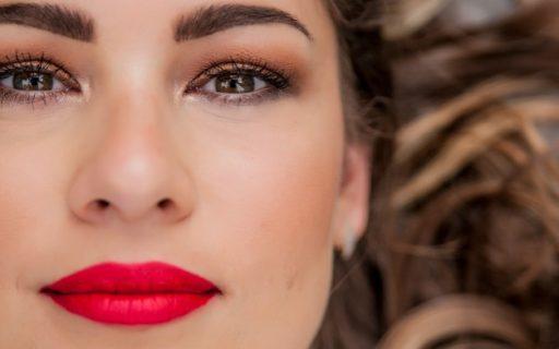 Trattamento viso antiage: cos'è e come funziona