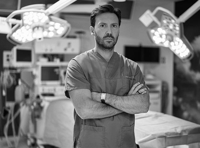Dott. Adriano Santorelli chirurgo plastico vomero